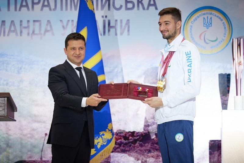 володимир зеленський зустрівся з українськими паралімпійцями: ви – супермени, у яких немає вад, а є суперздібність